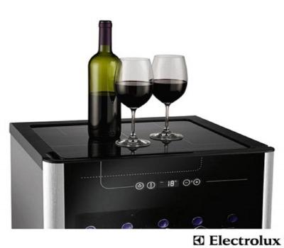 Imagem 1572 Adega Electrolux 24 Garrafas ACS24 Cor Preto e Inox 01241WBA189